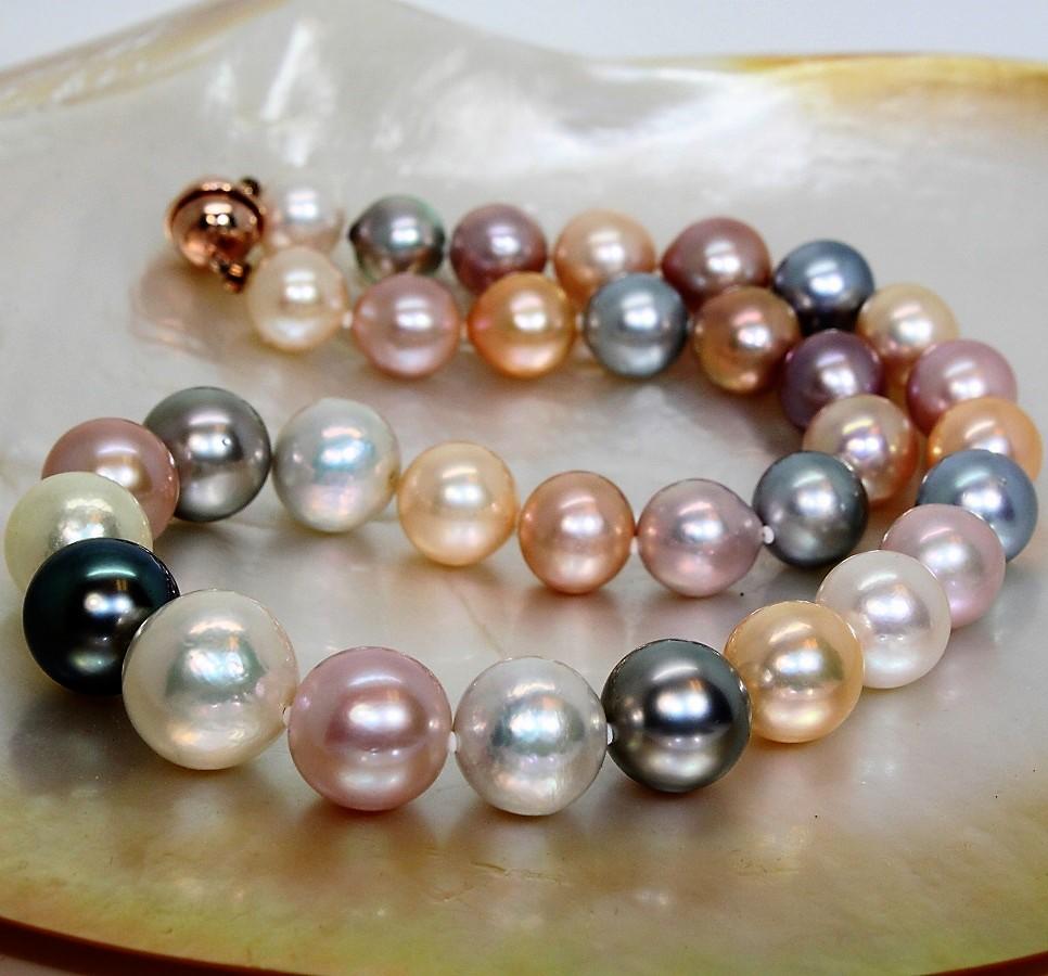 Colliers en perles d'eau douce